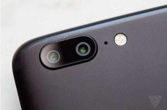 Директор по продуктам OnePlus заявил, что компания думает о создании безрамочного смартфона, рассказал о сотрудничестве с DxO и отказе от OIS – фото 5