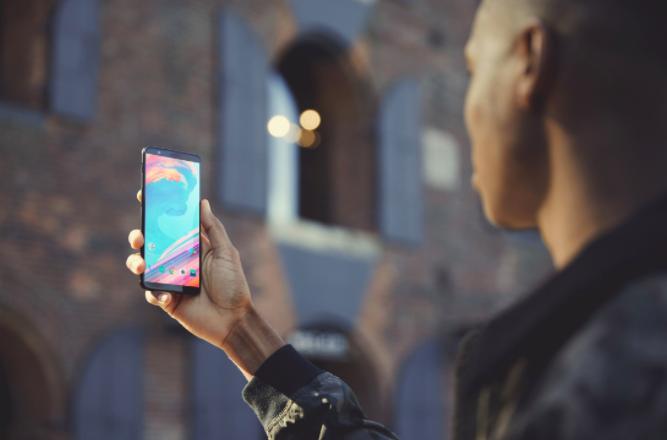 OnePlus 5T представлен: безрамочный флагман с функцией распознавания лица – фото 5