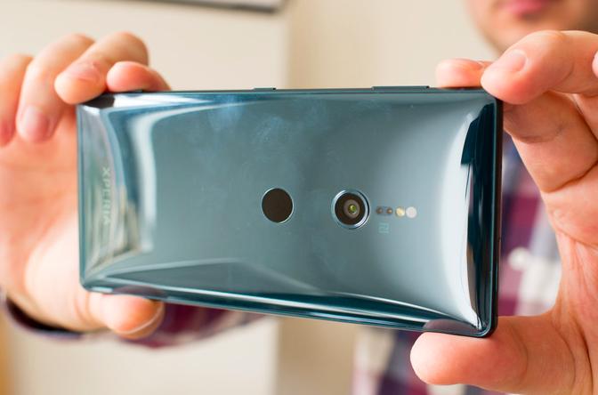 Представлены Sony Xperia XZ2 и Xperia XZ2 Compact: другая начинка, другой дизайн и улучшенная камера – фото 6