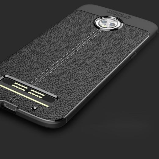 Чехол демонстрирует дизайн Moto Z3 Play – фото 3