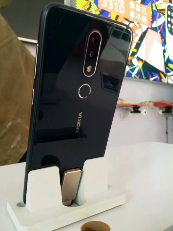 Nokia X или Nokia X6 показали во всей красе на «живых» снимках – фото 6