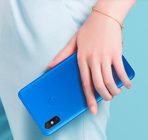 Xiaomi Mi Max 3 теперь можно будет купить в эффектном синем цвете – фото 1