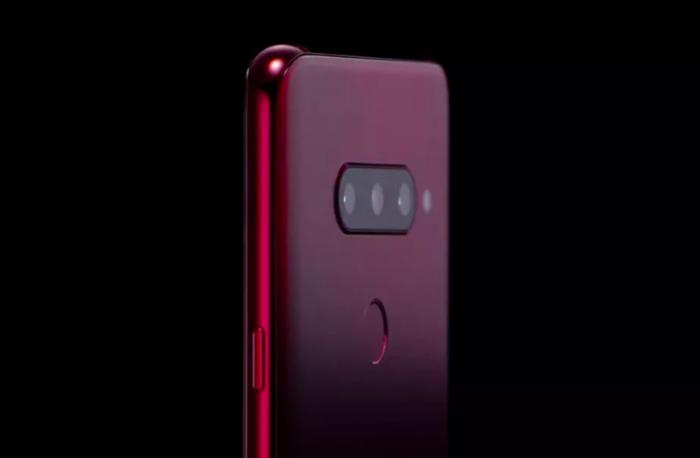 LG подтвердила тройную тыльную камеру в V40 ThinQ – фото 1
