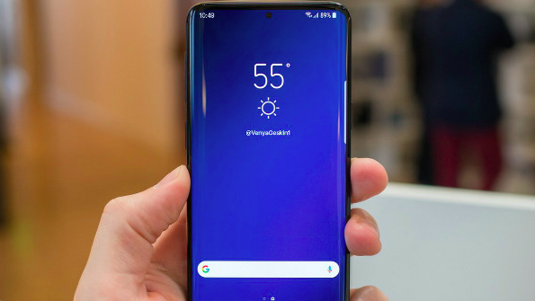 Samsung анонсировала новые «дырявые» Infinity-матрицы: еще больше дисплея – фото 2