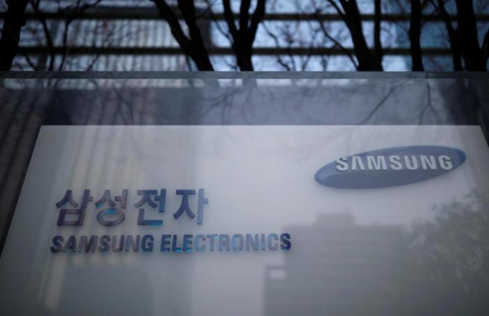 Samsung пострадала из-за кражи ее секретов производства гибких панелей – фото 1