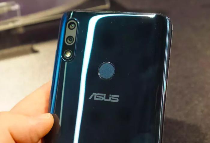 ASUS представила ZenFone Max (M2) и ZenFone Max Pro (M2) с емкими батарейками и «чистым» Android – фото 6