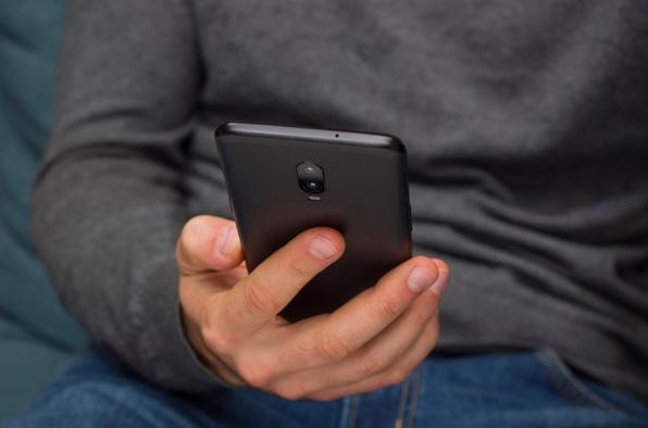 Глава OnePlus Пит Лау рассказал о перспективах выхода компактного мобильника – фото 2