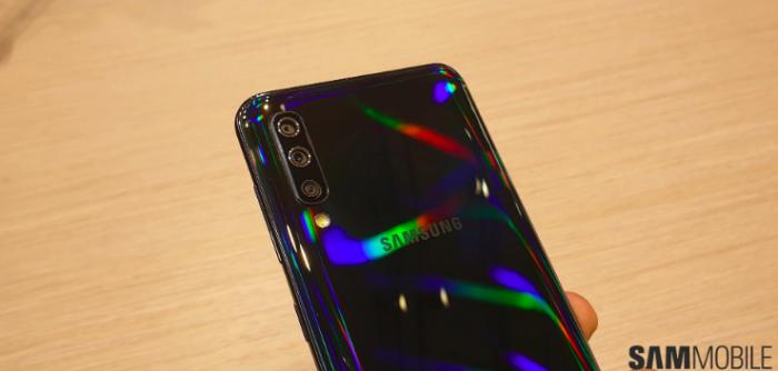Анонс Samsung Galaxy A30 и Galaxy A50: Infinity-U экраны, емкие батарейки и дисплейный датчик в старшей модели – фото 7