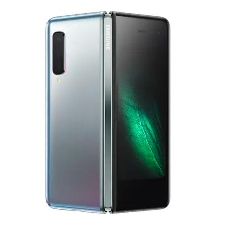 Samsung уверена, что для Galaxy Fold выбрали правильную конструкцию и работает еще над двумя гибкими мобильниками – фото 1