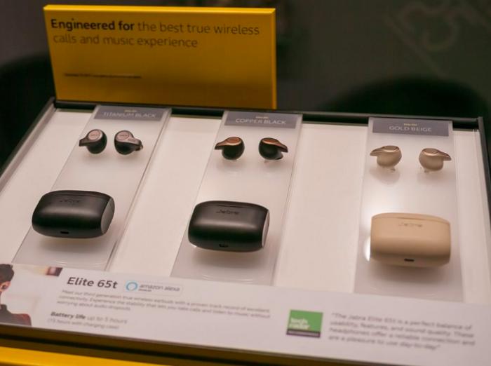 Apple отхватила 60% доли рынка беспроводных наушников – фото 1