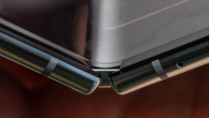 Некоторые Samsung Galaxy Fold начали выходить из строя – фото 3