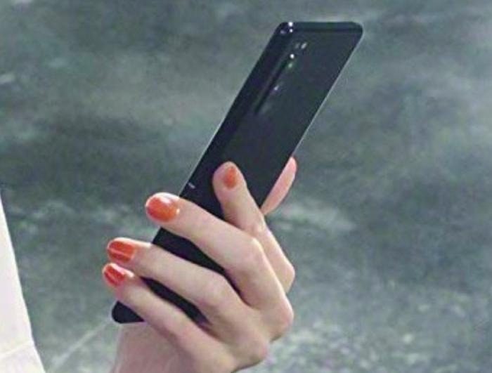 Sony Xperia 2 показали на «живых» снимках