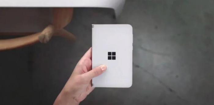 Microsoft представила двухэкранный смартфон Surface Duo