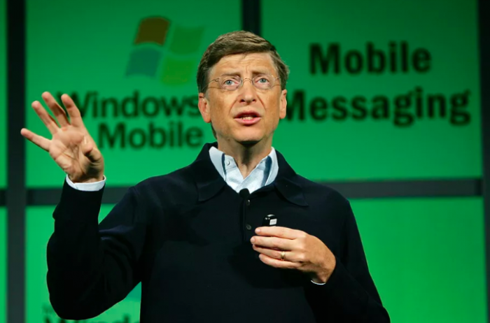 Билл Гейтс я облажался поэтому на рынке доминирует Android а не Windows Mobile