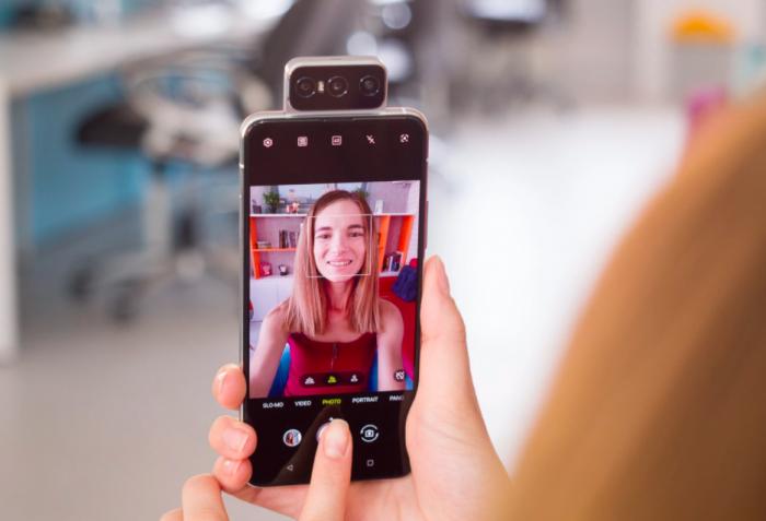 Анонс Asus Zenfone 7 и Zenfone 7 Pro: тройная откидная камера, чипы Qualcomm, 90-Гц дисплеи и емкие аккумуляторы – фото 1