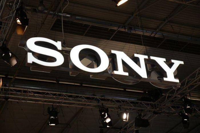 Sony тоже согнет смартфон. Xperia F получит гибкий дисплей – фото 1