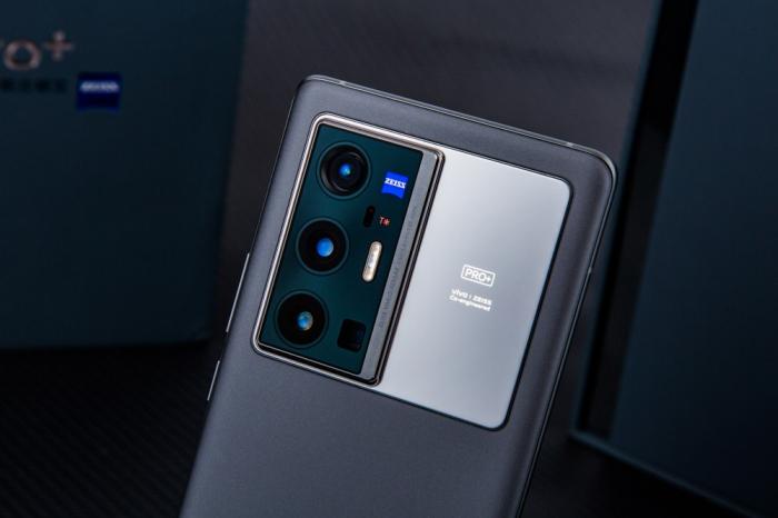 Анонс Vivo X70 Pro+: дорогой, элитарный и с крутой камерой – фото 4