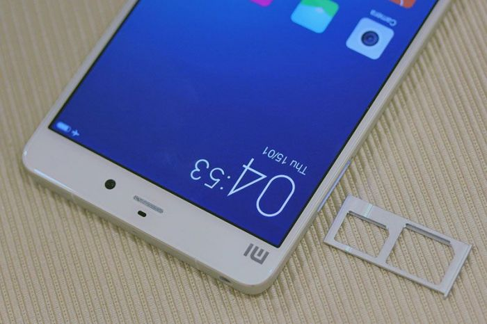 Xiaomi-Mi-Note-realnie-foto-1