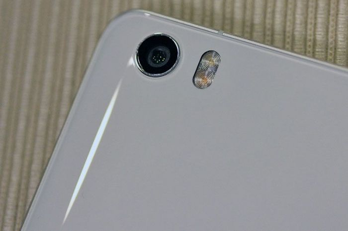 Xiaomi-Mi-Note-realnie-foto-5
