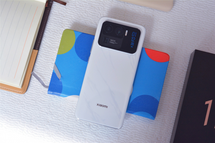 Присядьте! Шок-цена на Xiaomi Mi 11 Ultra в Украине и Xiaomi Mi Smart Band 6 без важной фишки – фото 1