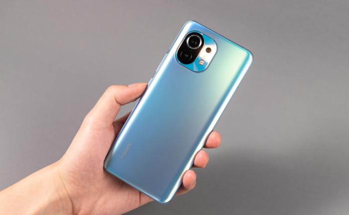 Характеристики Xiaomi 12: крутой дисплей, мощная начинка и камера с оптическим зумом – фото 1