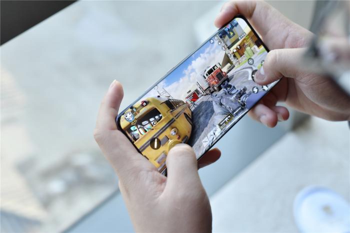 Обзор Xiaomi Mi 11 - первый флагман новой волны – фото 11