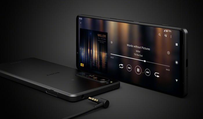 Представлен Sony Xperia 1 III с уникальным дисплеем и с переменным зум-объективом – фото 4