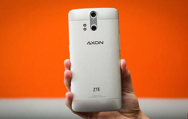 ZTE_Axon_-4