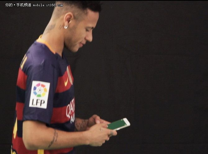 Oppo R9: в съемках рекламного ролика участвуют футболисты ФК «Барселона» - Неймар и Маскерано – фото 2