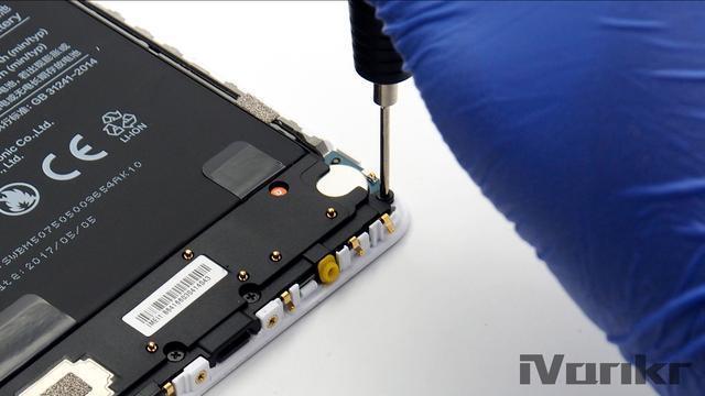 Xiaomi Mi Max 2 разобрали на части – фото 8