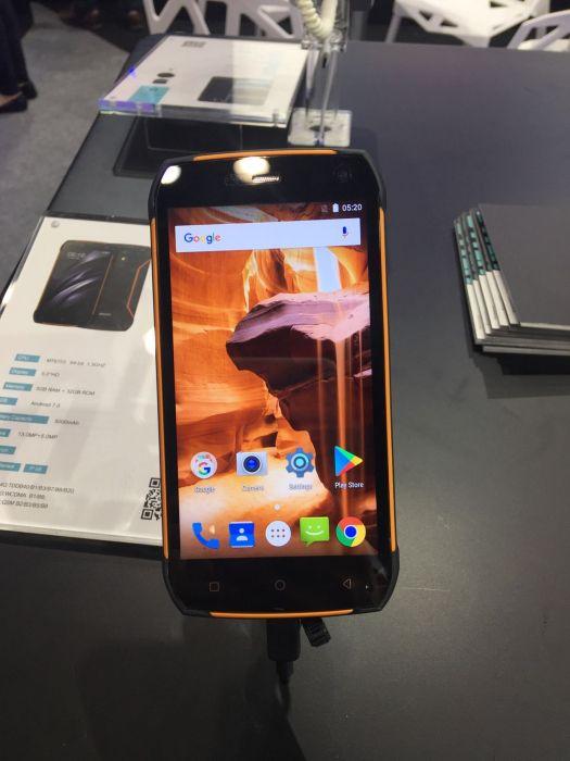 UHANS показала пять смартфонов на выставке Asia World-Expo – фото 11
