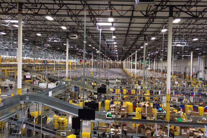 Робот совершил диверсию в отношении 3000 сотрудников Amazon – фото 3