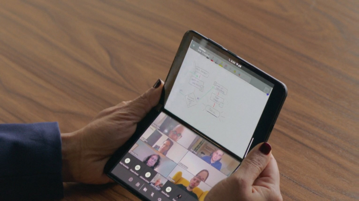 Microsoft Surface Duo 2 announcement: the second approach to creating a smartphone-book