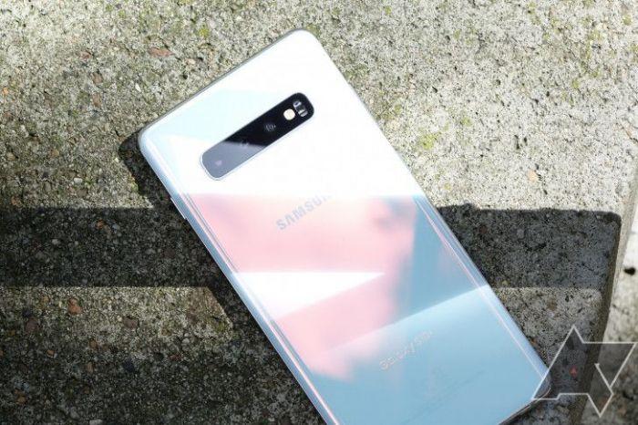 Выпуск семейства Samsung Galaxy S10 продолжится и цена снижена