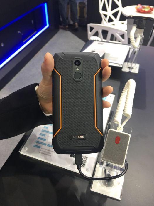 UHANS показала пять смартфонов на выставке Asia World-Expo – фото 12