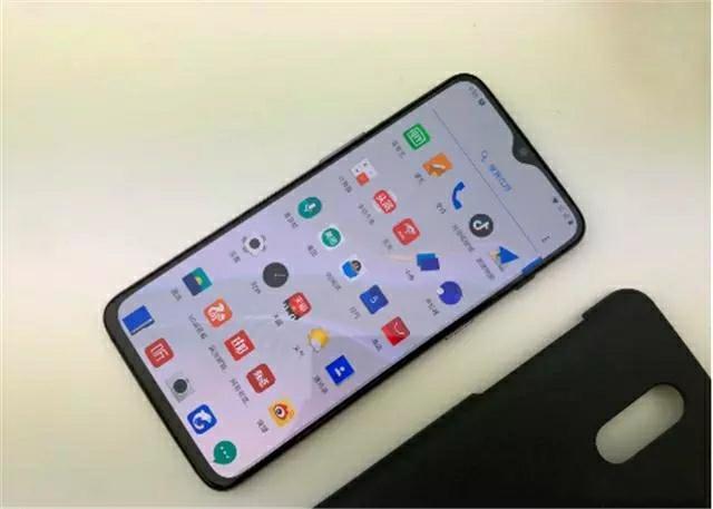 Xiaomi Mi 9 засветился на фото – фото 1