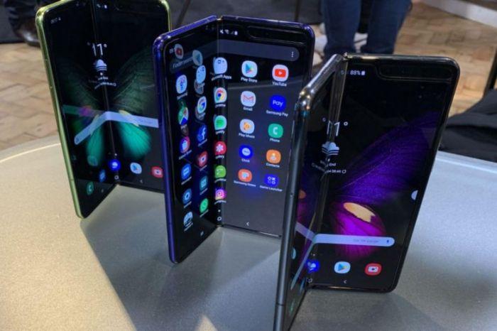 Перекупщики продают Samsung Galaxy Fold задорого – фото 1