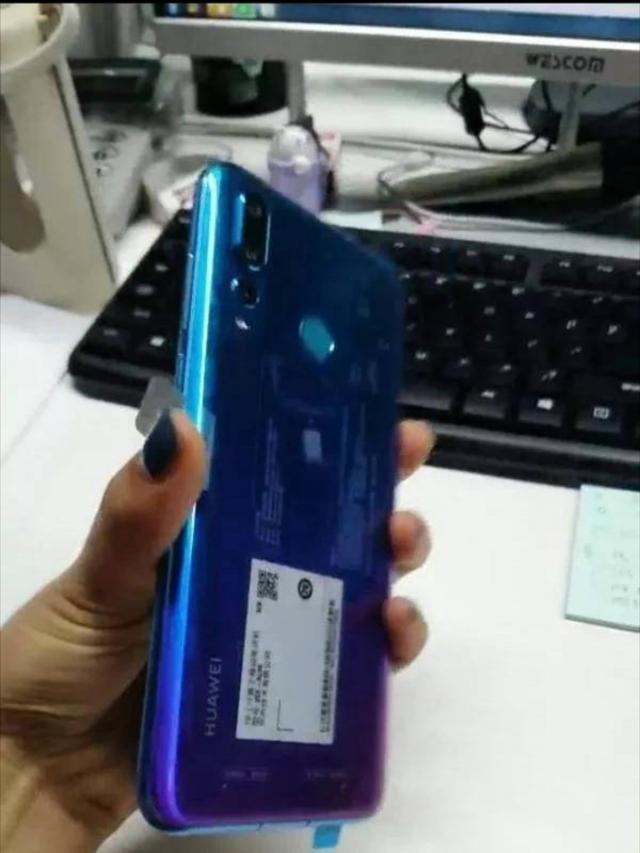 Huawei Nova 4 вновь показали на живых снимках – фото 4