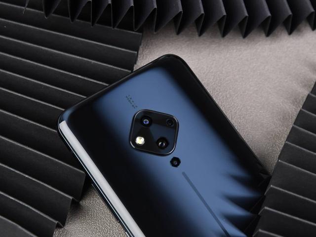Анонс Vivo S5: Snapdragon 712, квадрокамера и батарейка на 4100 мАч – фото 3