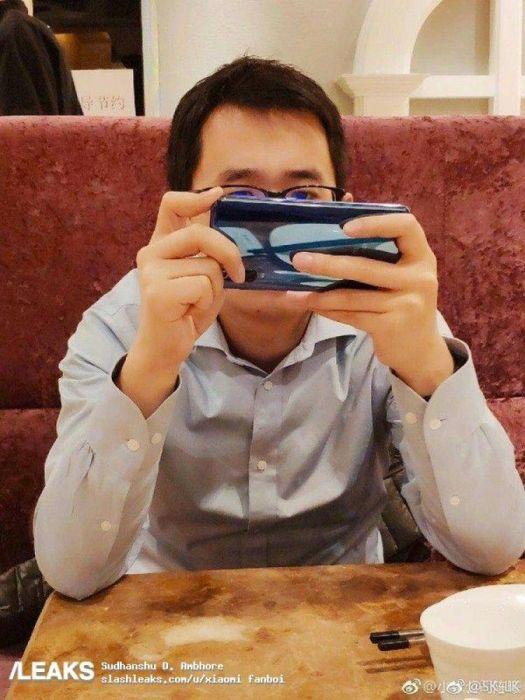 Xiaomi Mi 9 охуавеился на живом фото – фото 2