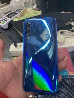 Официальное изображение Xiaomi Mi 9 и «живые» фото от инсайдеров – фото 7