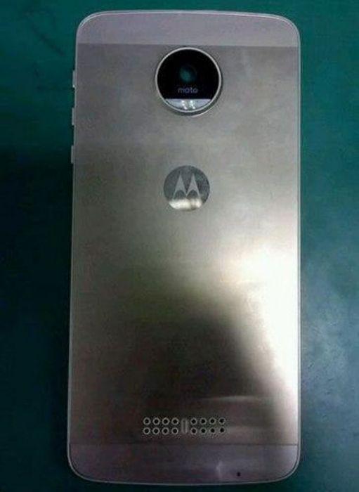 Moto X: шпионское фото смартфона выложили в сети – фото 1