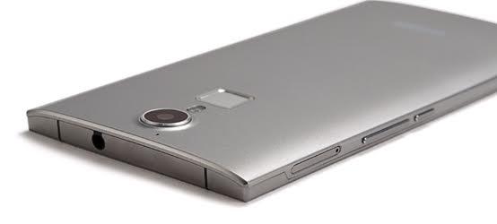 doogee_f5_metallicheskiy_smartfon