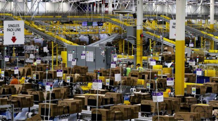 Робот совершил диверсию в отношении 3000 сотрудников Amazon – фото 1