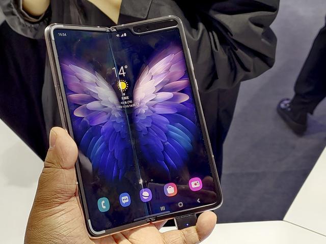 Анонс Samsung W20 5G: разогнанная 5G-версия Galaxy Fold – фото 4