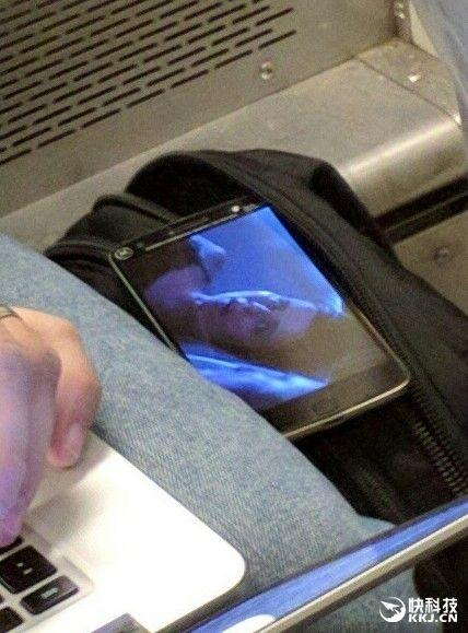Moto G4 Plus: новый смартфон с датчиком Touch ID засветился на фото – фото 2