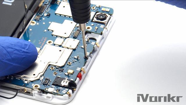 Xiaomi Mi Max 2 разобрали на части – фото 7