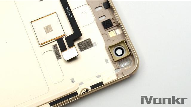 Xiaomi Mi Max 2 разобрали на части – фото 20
