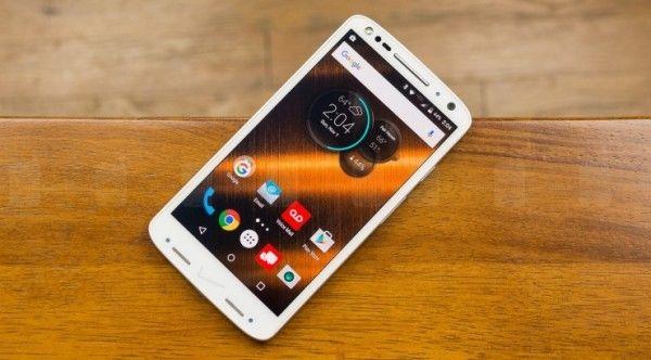 Motorola Droid Turbo 2 (X Force) подвержен влиянию электростатического напряжения – фото 1