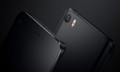 VKworld F1 с 4,5-дюймовым дисплеем станет самым доступным смартфоном с керамической задней панелью – фото 1